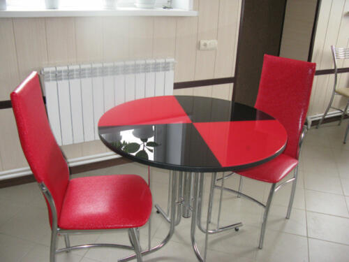 стол и стулья4